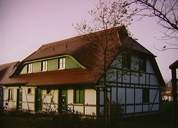 Haus (Wohnung auf dieser Seite im oberen Stockwerk)