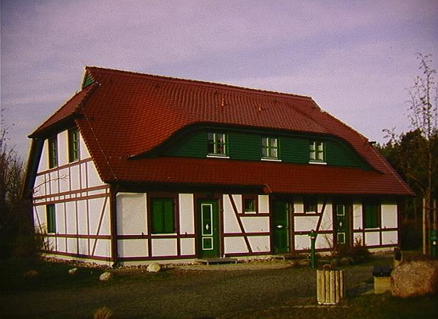 Haus (von der anderen Seite gesehen)